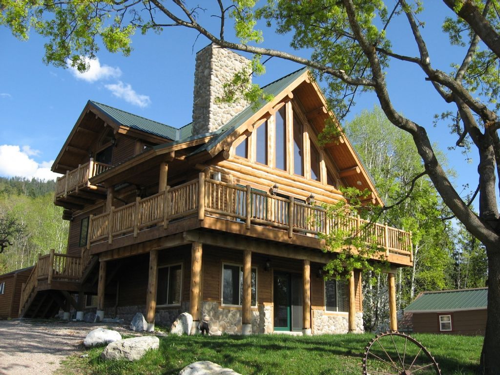 Phenomenal Beautiful Log Home Overlooking Flathead Lake Now Booking For 2020 Bigfork Home Remodeling Inspirations Genioncuboardxyz