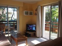 Great for families, very close to the beach, close to shops and bars - perfect.