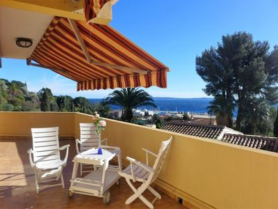 Photo for Apartment in the center of Le Lavandou with Parking, Internet, Washing machine, Air conditioning (639082)