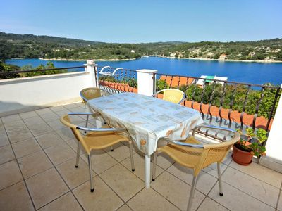 Photo for Two bedroom apartment with terrace and sea view Nečujam (Šolta)