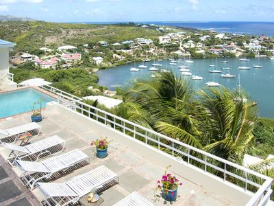 ANGELINA... Affordable 3BR villa overlooking Dawn Beach & Oyster Pond