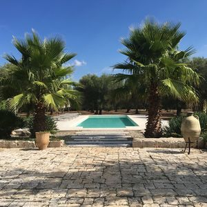Photo for Beautiful and tranquil villa with a large 15x5m pool set in an olive grove