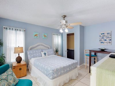Photo for Charming, dog-friendly studio-steps from Seawall, walk to dining