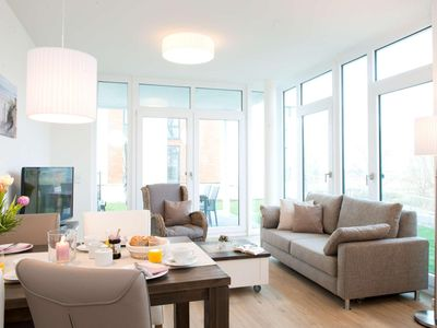 Photo for Apartment in exclusive location with sea view for up to 6 people