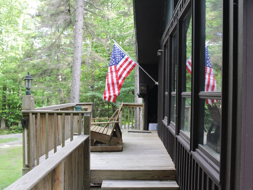 Mountain Getaway, 10 Minutes To Mount Snow And Into Town!