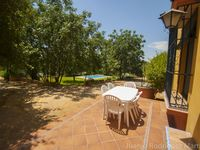 Fabulous house, pool, garden - perfect for our family (15, 12, 6) and an excellent location.