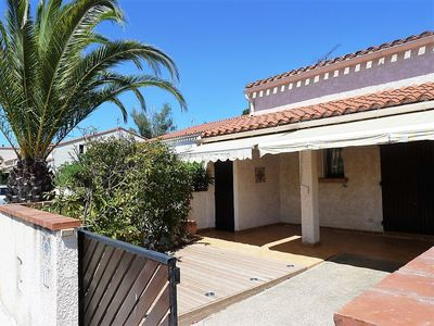 Photo for Quiet villa ideally located Center, Port and Beach st Cyprien Plage