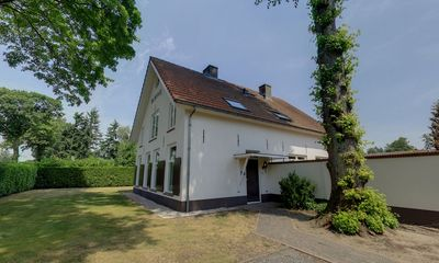 Photo for Very luxurious holiday home with partially enclosed garden for 20 people.