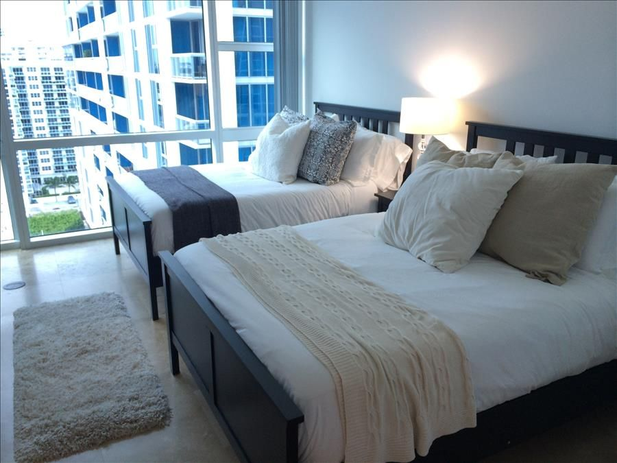 Superieur North Beach Condo Rental   Master Bedroom With 2 Double Beds.