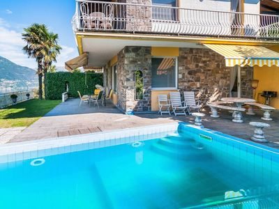 Photo for Villa with private pool and stunning views in Tronzano