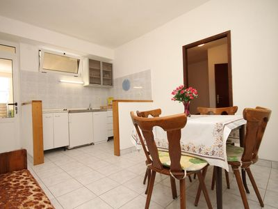 Photo for One bedroom apartment with terrace Tučepi, Makarska (A-6857-a)