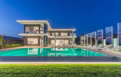 Photo for Luxury villa with pool and stunning views of the sea near Porec