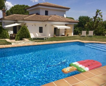 Photo for Luxury Villa with private pool, BBQ, garden, sauna, fitness, 20 min from the beach