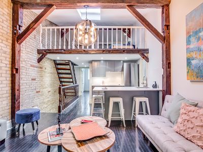 Photo for Stylish Apartment, Great location: 2 min to Yonge & Eg subway, w parking