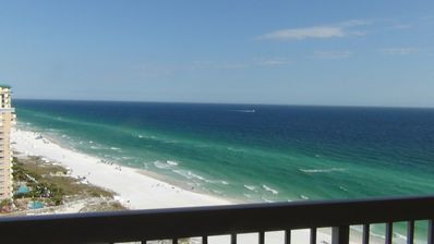 Photo for direct beachfront/refurbished/Great rates April & May starting at $ 165 nt