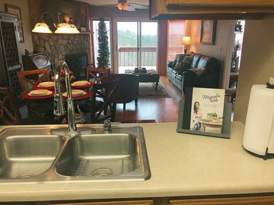 Enjoy your next vacation in this top floor condo with wonderful amenities!