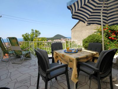 Photo for Two bedroom apartment with terrace and sea view Dubrovnik