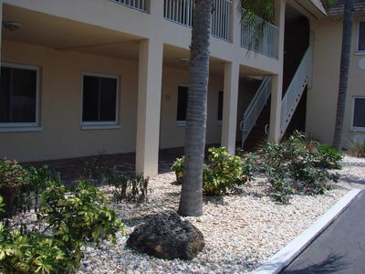 Photo for St. Pete's Beach Condo 2bdrm/1bath. Summer weekly specials! Walk to the beach
