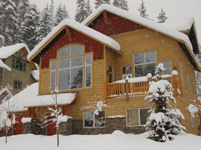 Photo for Spectacular mountain home!