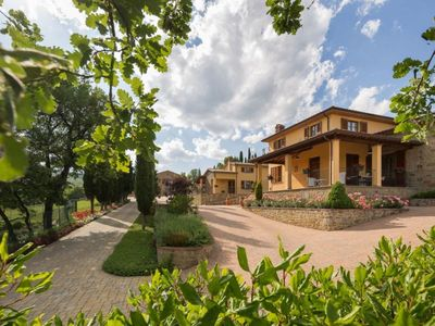 Photo for Apt in luxury  farm  with pool and garden to eat outside, free internet wi-fi. Arezzo.
