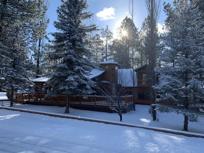Spacious Munds Park Lazy Bear Cabin, Sleeps 13, Game Room, Family Friendly!