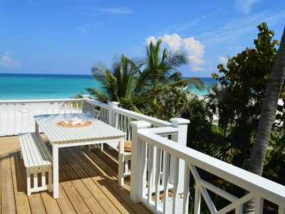 Outdoor dining overlooking the beach.