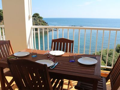 Photo for Nice apartment situated first line of the sea, and on the Caup del Llop beach. Fantastic