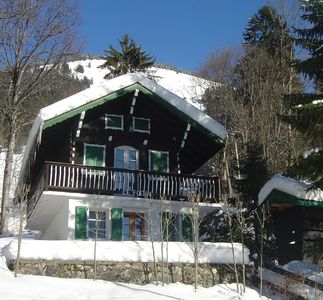 Photo for Cosy & comfortable 4/5 person chalet, 200 metres from Chatel centre