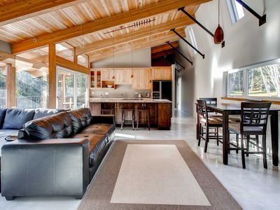 Photo for Peaceful 3BR Vancouver Island Home Near the Beach
