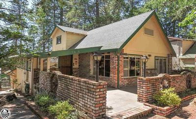 Photo for Cabin home with Walk to Downtown with Twain Harte Lake access
