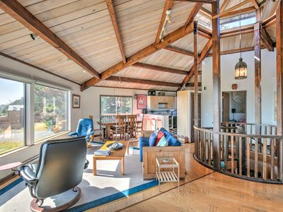 Photo for Oceanview & dog-friendly home w/ private hot tub plus pools & tennis access