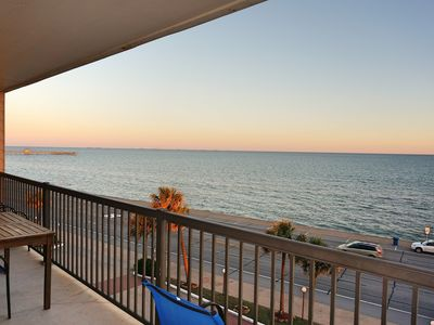Luxury Galveston Ocean Front Condo, Breath-Taking Ocean View, 3 Pools BBQ Grills