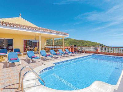 Photo for Well-furnished villa close to a picturesque village, with amazing views and free Wi-Fi