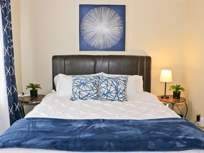 Photo for Belmont Heights★3 Miles to Downtown★2 Miles to Beach★King Bed★Parking Available