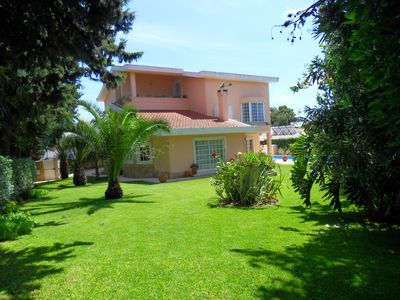 Photo for Villa with large garden, barbecue and heated pool (19510 / AL