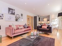 Smart decor and great location in the heart of Oxford