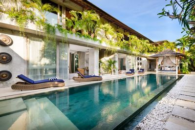 LAVISH 5 BEDROOM VILLA in CANGGU