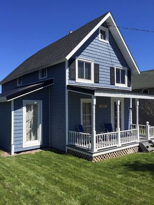 Photo for Vintage Lake Ontario cottage built in 1902.