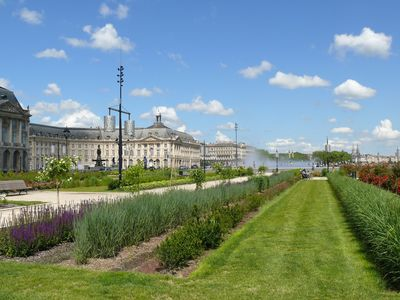 Discover the best of Bordeaux.