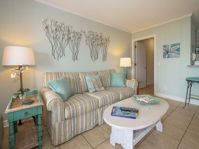 Photo for Ocean Dunes Villa 418 - cosy oceanfront walking distance to dining, shopping