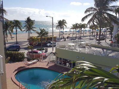 Photo for ★[Central Fort Lauderdale Beach!] Walk to Everything | Comfortable King Bed
