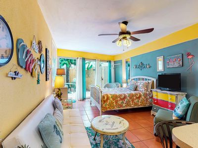 Photo for Studio features shared pool, sundeck, & beach access - walk to the pier!