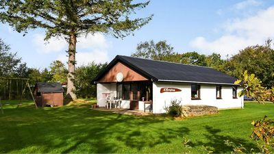 Photo for Comfortably furnished holiday home with spacious grounds and 3 bedrooms