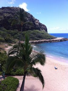 Photo for Stay On The Beach In Makaha