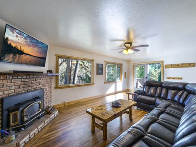 Photo for Parkside, A/C, Netflix, No cleaning fees! Experience the Magic of Yosemite!  Magic Escape is a lo...