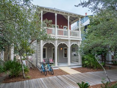 Point of View Cottage. 2BR/2BA Home in the Heart of Rosemary. 2 Bikes!