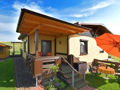 Photo for Little holiday home in the Thuringian Forest with covered terrace and garden.
