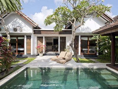 Photo for Spacious Villa Vanilla in Seminyak