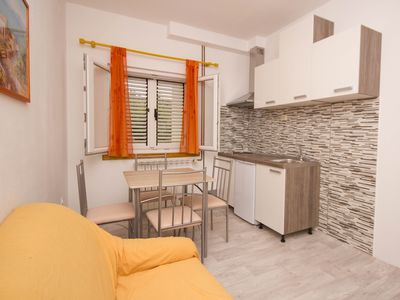 Photo for Cosy apartment in Poljica (Trogir) 2+2, WiFi, balcony, grill, aircondition, TV