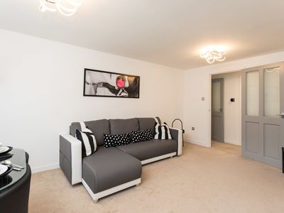 Photo for Park View- 2 bed light and airy apartment in quiet location